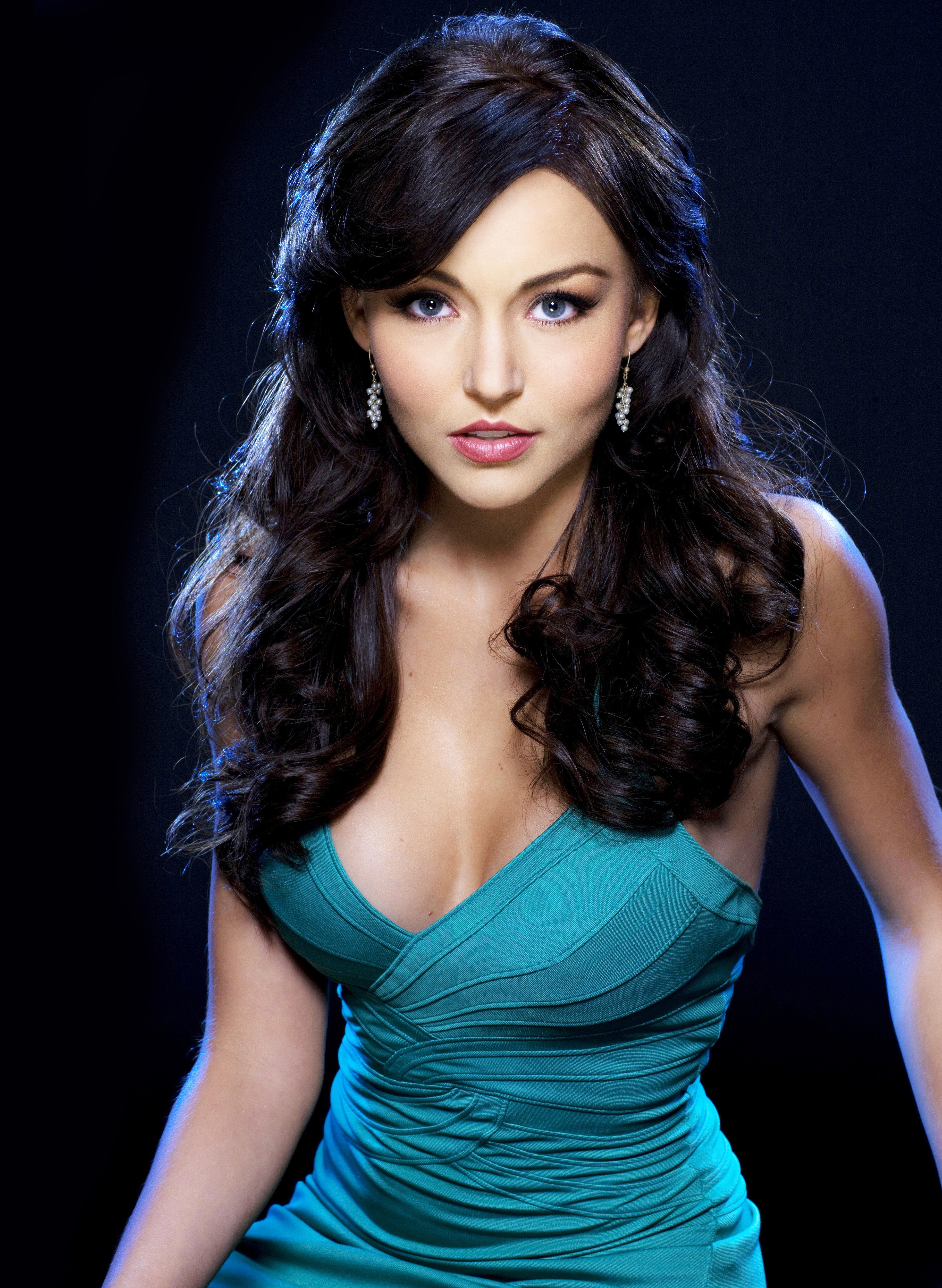 Teresa - Team Angelique Boyer